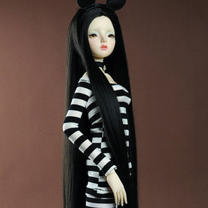 "[8-9""] Risca Long Straight Wig (Black)"