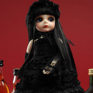 Idoll Size - Tialra Black Dress