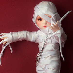 [USD] Trick Or Treat Costume (White)